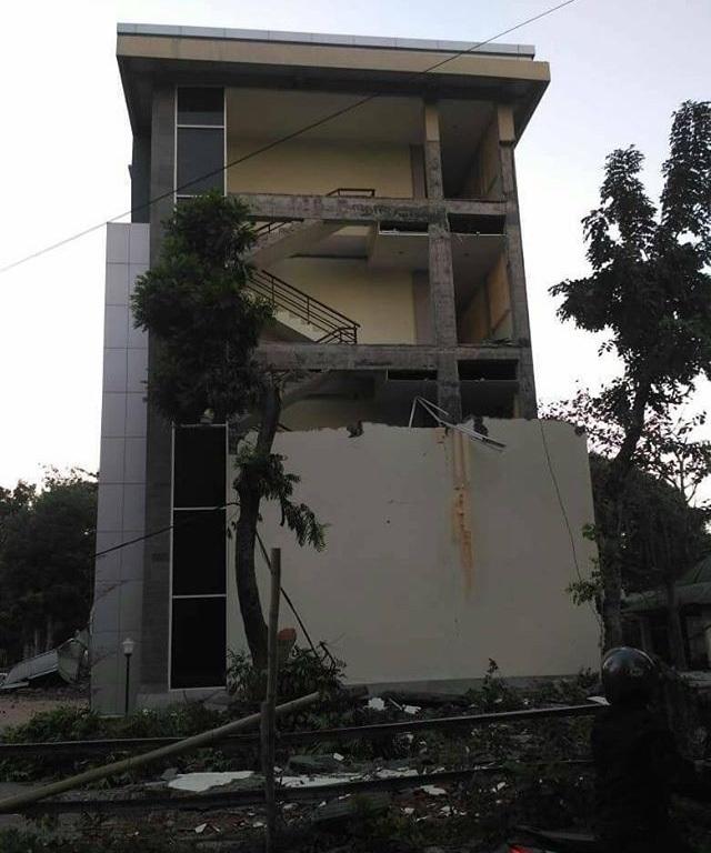 https: img-k.okeinfo.net content 2018 08 07 65 1933018 universitas-mataram-ajukan-assessment-gedung-pascagempa-lombok-1WStyJ5JFa.jpg
