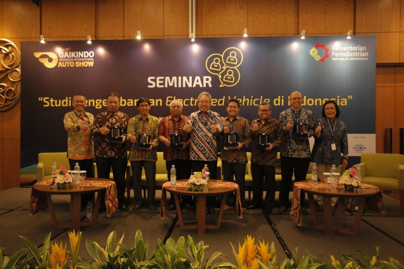 https: img-k.okeinfo.net content 2018 08 09 15 1934355 teknologi-hybrid-menjadi-tahap-awal-bagi-indonesia-sebelum-masuk-mobil-listrik-uEUWzf6v3G.jpeg