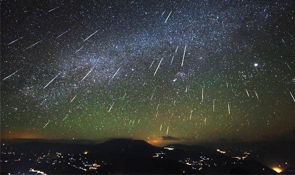 https: img-k.okeinfo.net content 2018 08 11 56 1935069 malam-ini-hujan-meteor-perseid-dapat-disaksikan-di-seluruh-wilayah-indonesia-32ZgfFIDP5.jpg