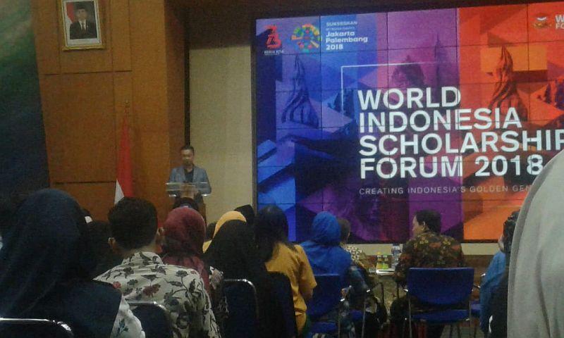 https: img-k.okeinfo.net content 2018 08 11 65 1935207 pendidikan-jadi-kunci-utama-indonesia-miliki-daya-saing-kuat-df9sO9feBB.jpg