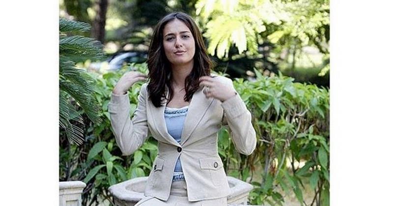 https: img-k.okeinfo.net content 2018 08 13 33 1935689 lepas-jilbab-aktris-hala-shiha-hebohkan-warga-mesir-y5irMU8HvN.jpg
