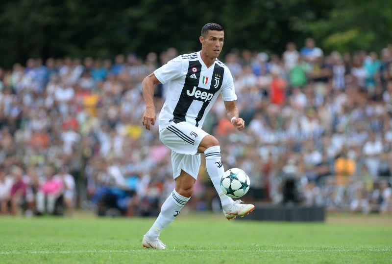 Ronaldo Bujuk Nike Produksi Sepatu Bertemakan Juventus Https Img Okeinfo bf36a7c8d8