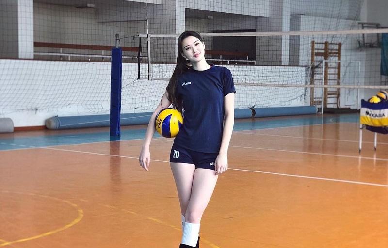 https: img-k.okeinfo.net content 2018 08 28 194 1942638 potret-kecantikan-sabina-altynbekova-atlet-voli-putri-kazakhstan-yang-memesona-H8FcxsVyQP.jpg