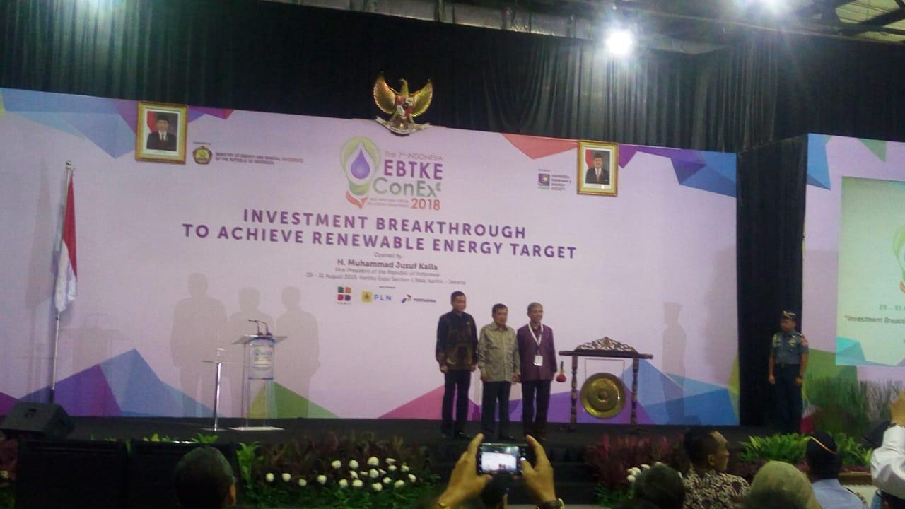 https: img-k.okeinfo.net content 2018 08 29 320 1942979 menteri-jonan-cari-terobosan-kembangkan-energi-terbarukan-di-indonesia-foS2kuxCXm.jpeg