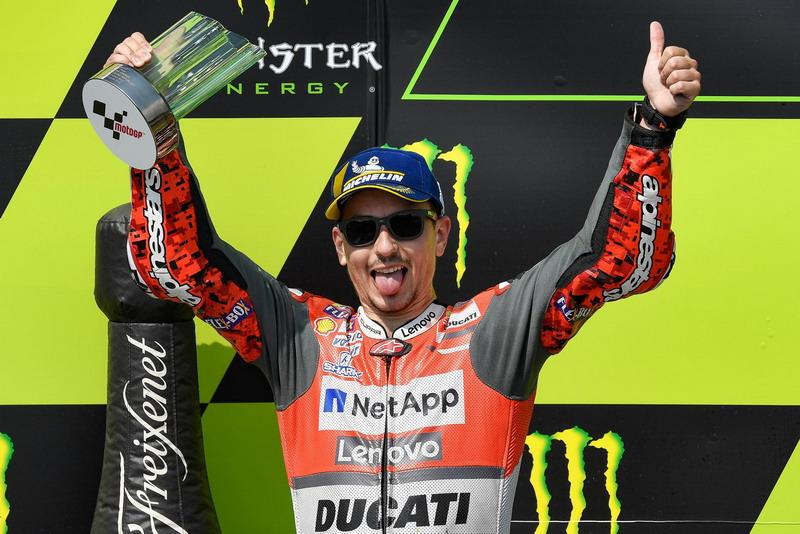 Lorenzo Janji Suguhkan Penampilan Lebih Menarik di MotoGP 2019