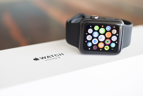 https: img-k.okeinfo.net content 2018 08 31 57 1943971 apple-watch-series-4-tampil-lebih-besar-dan-bezel-tipis-vW8eN1tISZ.jpg