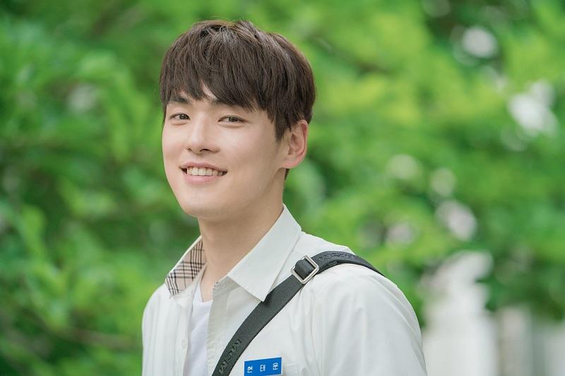 https: img-k.okeinfo.net content 2018 09 03 206 1945523 rampungkan-syuting-kim-jung-hyun-resmi-mundur-dari-time-HD4JxoZEU0.jpg