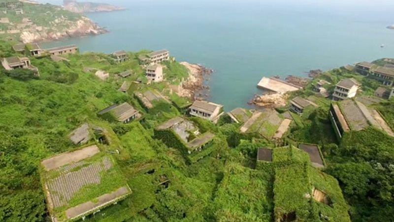 https: img-k.okeinfo.net content 2018 09 03 406 1945550 cantiknya-houtown-desa-paling-hijau-di-dunia-bvKs5PBSOr.jpg