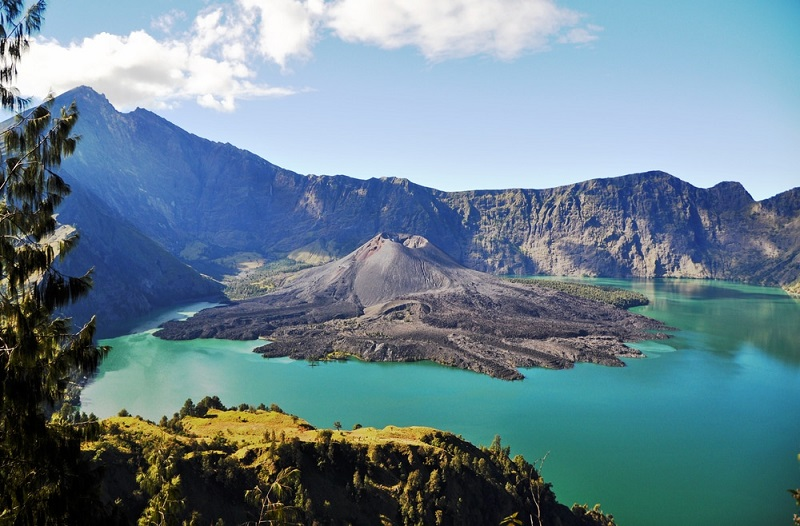 https: img-k.okeinfo.net content 2018 09 06 406 1947021 strategi-kemenpar-pulihkan-pariwisata-lombok-usai-dilanda-gempa-CujTaowRjR.jpg