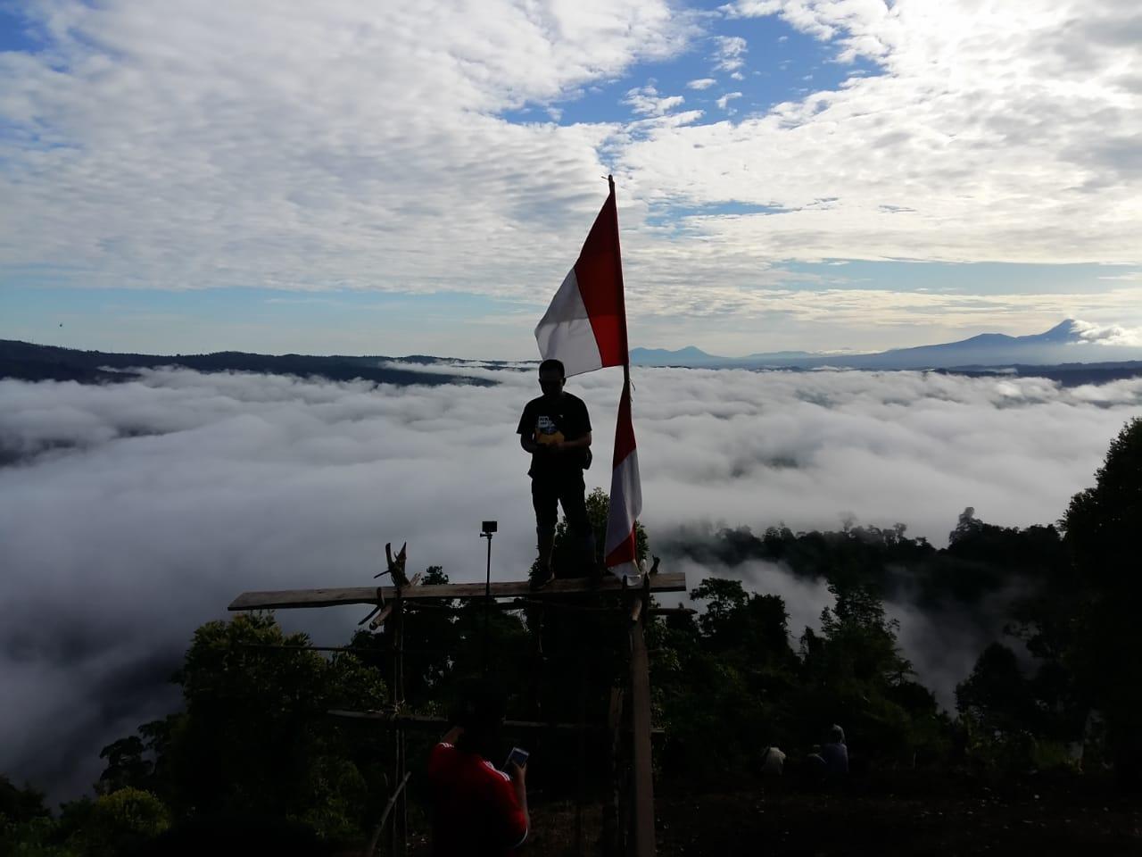 https: img-k.okeinfo.net content 2018 09 09 406 1948097 eksotisme-negeri-di-atas-awan-desa-poopo-minahasa-selatan-6Od4x2SfhA.jpg