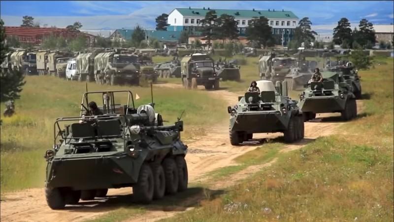 https: img-k.okeinfo.net content 2018 09 12 18 1949257 diikuti-300-ribu-tentara-latihan-perang-terbesar-rusia-dalam-tiga-dekade-vostok-2018-dimulai-UwU0InhFx7.jpg