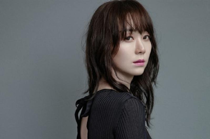 Kecelakaan di Lokasi Syuting, Agensi Lee Yoo Young Buka Suara