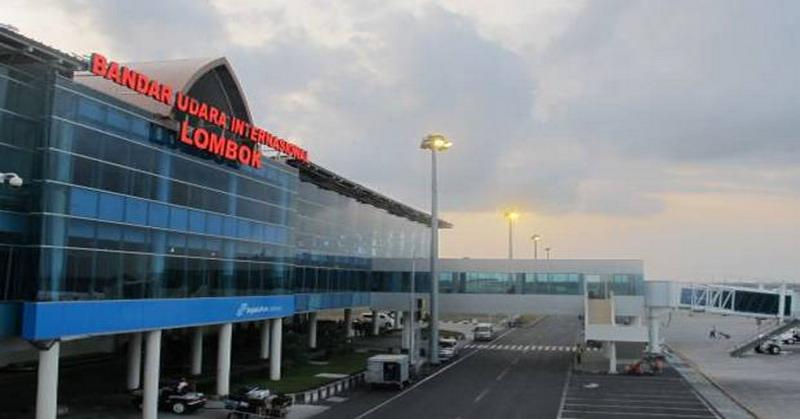 https: img-k.okeinfo.net content 2018 09 12 337 1949495 bandara-lombok-ganti-nama-elite-demokrat-modus-baru-jokowi-ambil-alih-prasasti-sby-cH9zbmeYkf.jpg