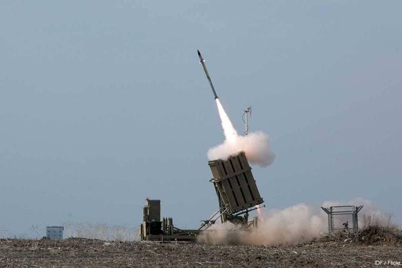 https: img-k.okeinfo.net content 2018 09 14 18 1950351 hubungan-makin-dekat-arab-saudi-beli-sistem-pertahanan-rudal-iron-dome-dari-israel-pUb4t8ID1M.jpg