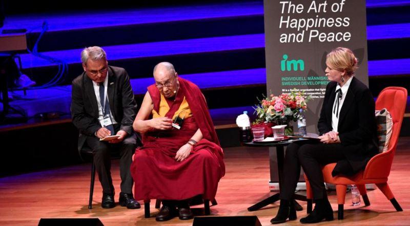 https: img-k.okeinfo.net content 2018 09 16 18 1951223 dalai-lama-akui-tahu-pelecehan-seks-oleh-guru-guru-agama-buddha-zYmmxtlflO.jpg