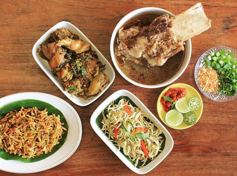https: img-k.okeinfo.net content 2018 09 18 298 1951956 menilik-karakteristik-kuliner-indonesia-salah-satunya-makanan-khas-toraja-aapopEFgqZ.jpg