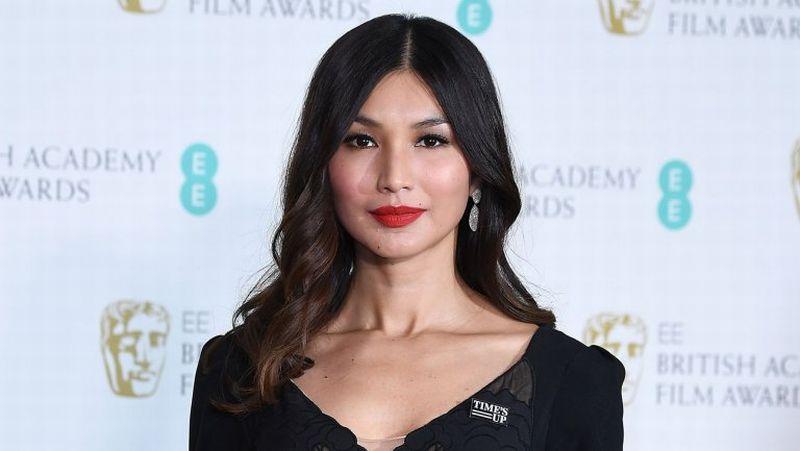 https: img-k.okeinfo.net content 2018 09 19 194 1952391 5-gaya-keren-dan-berkelas-gemma-chan-aktris-cantik-di-crazy-rich-asians-118Nm5ADtH.jpg