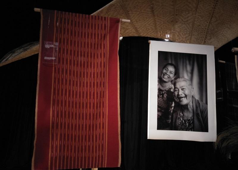 https: img-k.okeinfo.net content 2018 09 19 194 1952819 menelisik-tatanan-hidup-suku-batak-lewat-kain-tradisional-di-museum-tekstil-jakarta-PMqdeXELNv.jpg