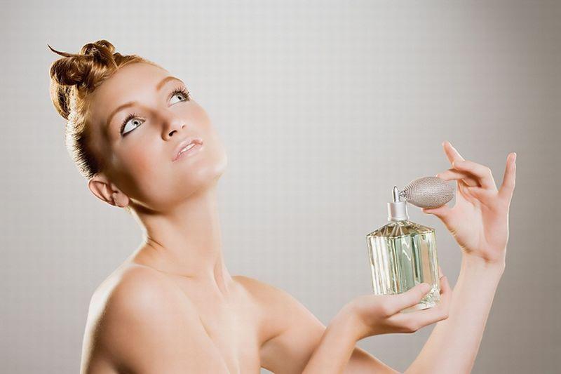 https: img-k.okeinfo.net content 2018 09 24 194 1954695 sudah-beli-parfum-mahal-tapi-enggak-tahan-lama-ini-alasannya-jCAp7nTZH6.jpg