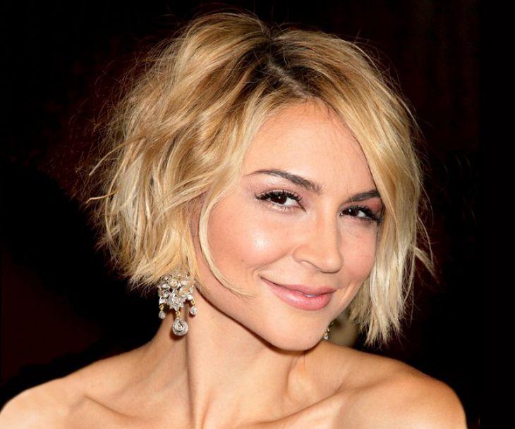 https: img-k.okeinfo.net content 2018 09 24 194 1955024 ini-referensi-gaya-potongan-rambut-untuk-wanita-40-tahunan-agar-terlihat-awet-muda-NmTepPBDb7.jpg