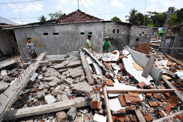 https: img-k.okeinfo.net content 2018 09 25 340 1955120 romi-sebut-ada-kemacetan-penyaluran-bantuan-korban-gempa-lombok-hj7lpDlTP9.jpg