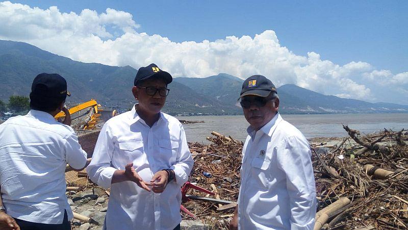 https: img-k.okeinfo.net content 2018 10 01 320 1958098 menteri-pupr-ketersediaan-air-bersih-sangat-penting-pasca-gempa-tsunami-palu-A2QT1igf4I.jpg