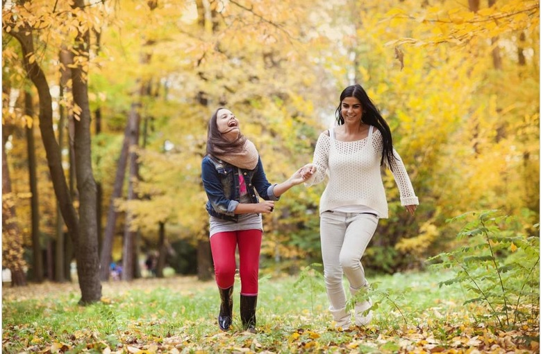 https: img-k.okeinfo.net content 2018 10 04 196 1959737 orangtua-ini-loh-5-cara-memotivasi-anak-di-era-globalisasi-97GKHYy9Ou.jpg