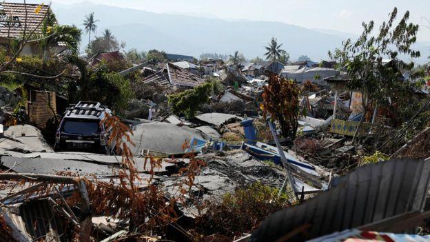 https: img-k.okeinfo.net content 2018 10 06 337 1960457 sekitar-1-000-orang-mungkin-terkubur-akibat-gempa-tsunami-di-palu-guAJZC2dIc.jpg