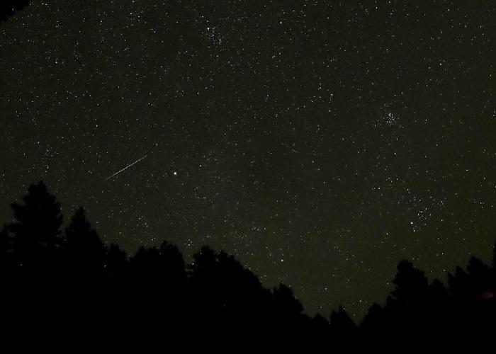 https: img-k.okeinfo.net content 2018 10 06 56 1960503 hujan-meteor-draconid-bakal-hujani-bumi-pekan-ini-4WnJLxTg2T.jpg