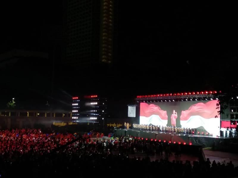 https: img-k.okeinfo.net content 2018 10 13 43 1963675 parade-bendera-peserta-asian-para-games-2018-awali-upacara-penutupan-qHozZmEIOA.jpeg