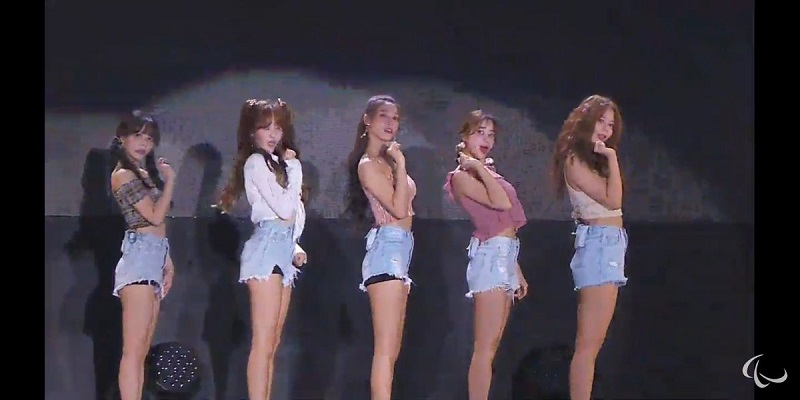 https: img-k.okeinfo.net content 2018 10 14 194 1963724 girl-band-korea-aoa-tampil-menggemaskan-nan-seksi-di-closing-asian-para-games-2018-VnUdZZ3TIm.jpg