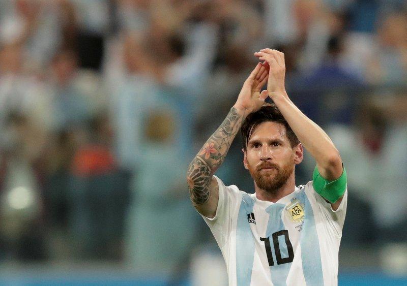 https: img-k.okeinfo.net content 2018 10 14 51 1963722 maradona-ragukan-kemampuan-messi-dalam-memimpin-argentina-fjIdksudgk.JPG