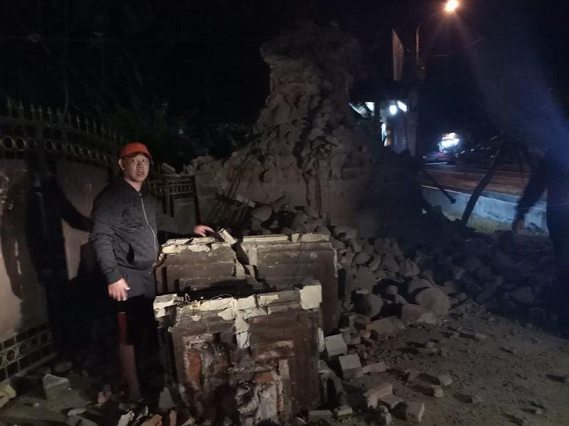 https: img-k.okeinfo.net content 2018 10 14 519 1963723 perbaiki-rumah-rusak-akibat-gempa-pemprov-jatim-gelontorkan-rp23-7-miliar-lSdXUvtSL7.jpg