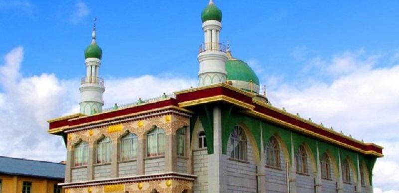 https: img-k.okeinfo.net content 2018 10 16 406 1964895 mengintip-keunikan-masjid-agung-lasha-tibet-masjid-tertinggi-di-dunia-scjza95Dld.jpg