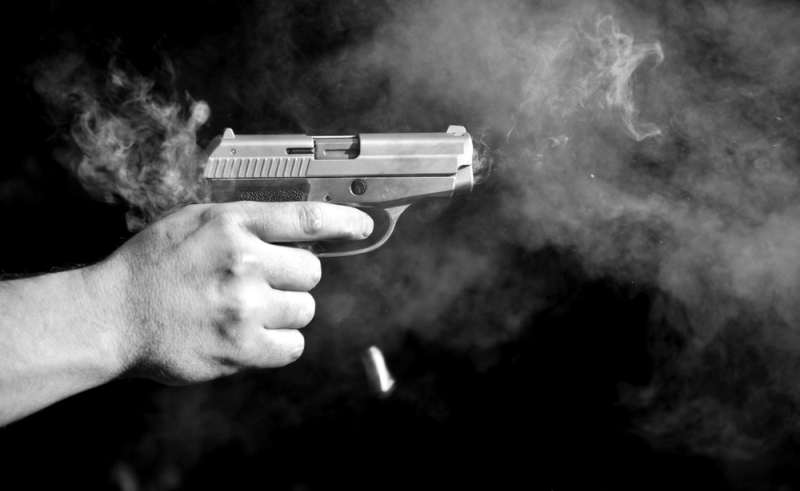 https: img-k.okeinfo.net content 2018 10 17 338 1964988 letuskan-pistol-pelaku-begal-beraksi-rebut-motor-di-spbu-serpong-UVBDSQjdet.jpg