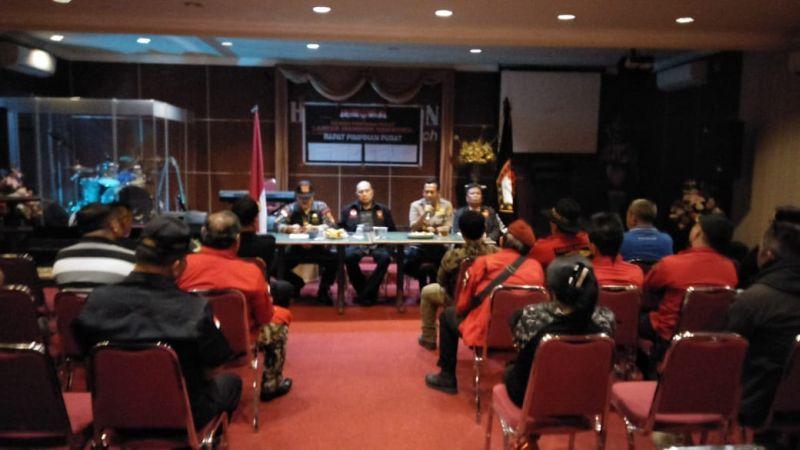 https: img-k.okeinfo.net content 2018 10 19 340 1966142 laskar-manguni-indonesia-tegaskan-tak-terlibat-aksi-penolakan-habib-bahar-bin-smith-di-manado-kWDpLKwCV3.jpg