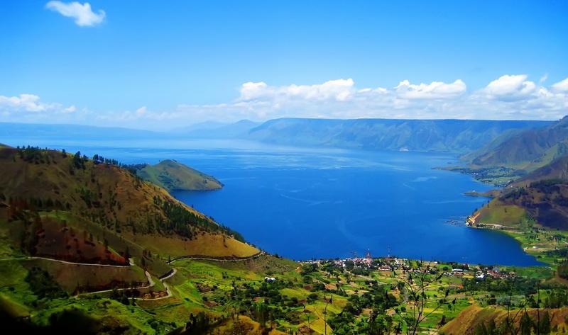 https: img-k.okeinfo.net content 2018 10 20 406 1966647 sales-mission-danau-toba-sasar-wisatawan-kalangan-menengah-indonesia-eUO9zDT7Nt.jpg