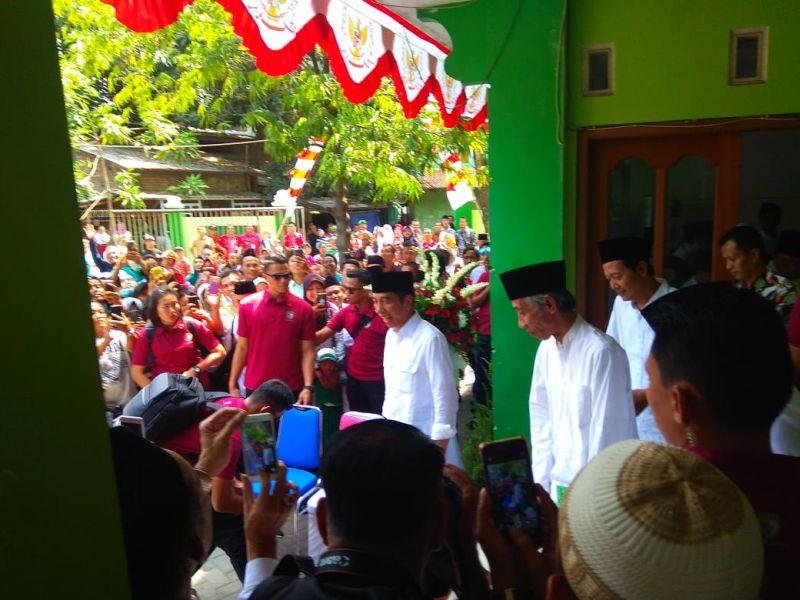 https: img-k.okeinfo.net content 2018 10 20 512 1966716 presiden-jokowi-sebut-keragaman-bangsa-indonesia-adalah-sunatullah-7qzD0p2YqA.jpg