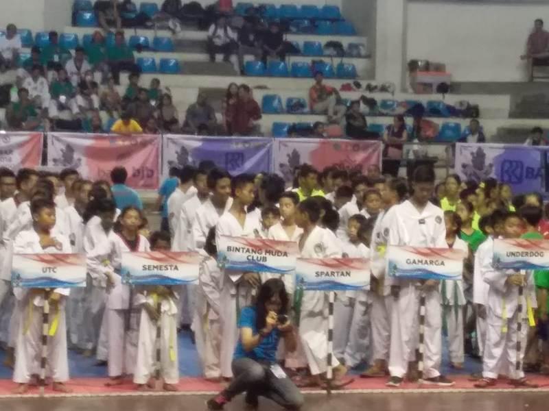 https: img-k.okeinfo.net content 2018 10 21 43 1966825 1200-peserta-ramaikan-kejurnas-denpasar-open-taekwondo-5kB3sH7D2D.jpg