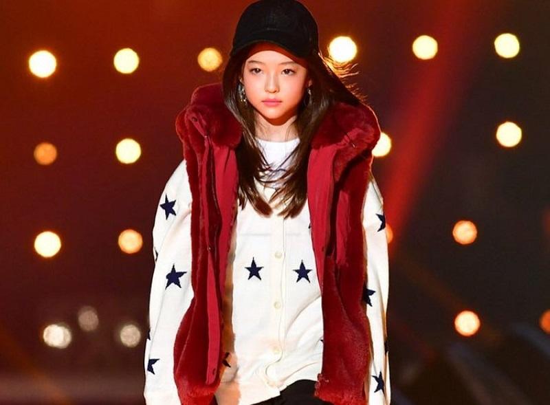 https: img-k.okeinfo.net content 2018 10 22 194 1967304 cantiknya-ella-gross-model-cilik-blasteran-korea-amerika-yang-mendunia-e49bIxvwvh.jpg