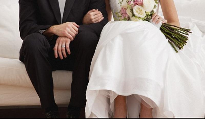 https: img-k.okeinfo.net content 2018 10 24 196 1968240 peneliti-klaim-menikah-saat-perawan-buat-kehidupan-lebih-bahagia-CUaW7ZWwkM.jpg