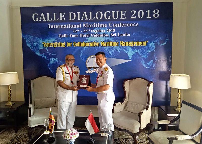 https: img-k.okeinfo.net content 2018 10 24 65 1968172 komandan-seskoal-paparkan-kolaborasi-angkatan-laut-dan-coast-guard-untuk-blue-economy-ewra6OUC40.jpg