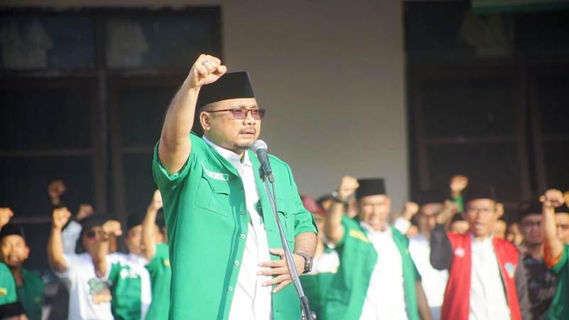 https: img-k.okeinfo.net content 2018 10 26 510 1969504 akhiri-kirab-satu-negeri-ansor-tegaskan-tak-ada-bendera-di-indonesia-selain-merah-putih-Fedi6DBIdt.jpg