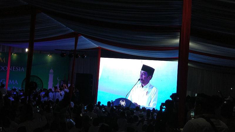 https: img-k.okeinfo.net content 2018 11 04 337 1973237 presiden-jokowi-janjikan-bangun-rusun-bagi-santri-di-tangsel-KqFjLNBNuG.jpg