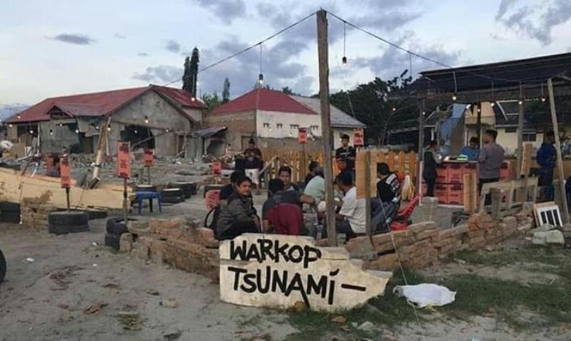 https: img-k.okeinfo.net content 2018 11 06 298 1974031 1-500-kopi-gratis-di-warkop-tsunami-untuk-kebangkitan-kota-palu-bkAhlk8Hns.jpg
