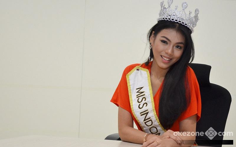 https: img-k.okeinfo.net content 2018 11 08 196 1975271 h-1-keberangkatan-ke-miss-world-2018-alya-nurshabrina-gelar-syukuran-pengajian-4AMN9ps11S.jpg