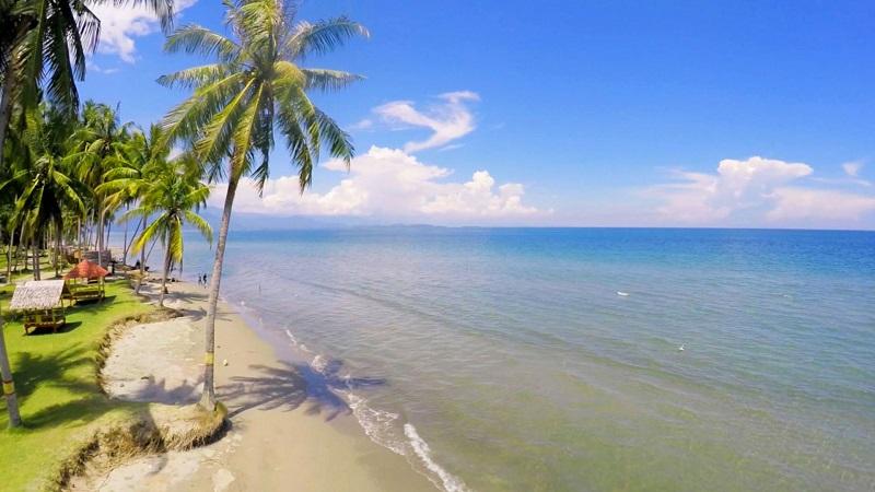 https: img-k.okeinfo.net content 2018 11 08 406 1975209 bikin-takjub-ini-4-pantai-di-sulbar-yang-kondang-keindahannya-h9Oh49vJjZ.jpg