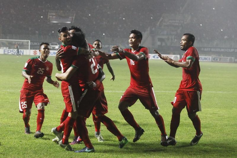 https: img-k.okeinfo.net content 2018 11 09 51 1975753 sundulan-harris-bawa-singapura-unggul-1-0-atas-timnas-indonesia-sW3vESZ190.jpg