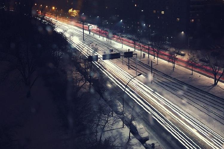 https: img-k.okeinfo.net content 2018 11 09 92 1975418 4-tips-mengambil-foto-saat-malam-hari-dengan-kamera-ponsel-EOvyZnh8NK.jpg