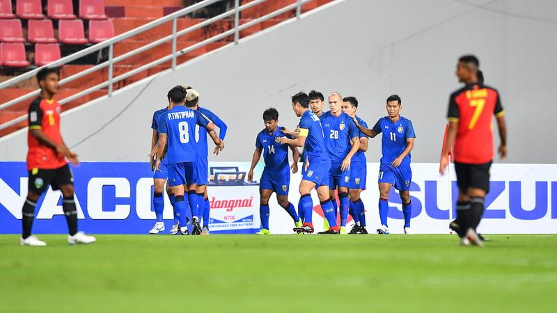 https: img-k.okeinfo.net content 2018 11 10 51 1976051 pelatih-thailand-tak-persoalkan-absennya-empat-pemain-bintang-BQ3o7kF33t.jpg